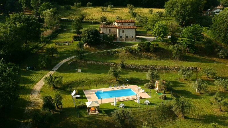 Casale in Teverina - Entire house in country side for families and groups, vacation rental in Penna in Teverina