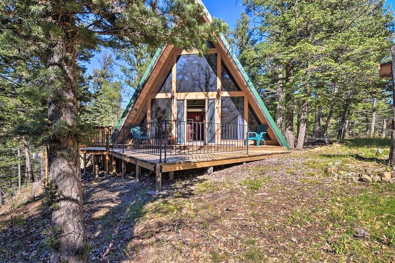 'Bare Face Cabin' es el mejor alquiler de vacaciones en Ruidoso para tu familia de 4 personas.