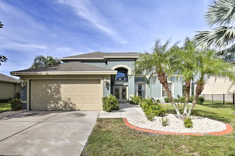 A Sunshine State getaway awaits you at this Riverview vacation rental home.