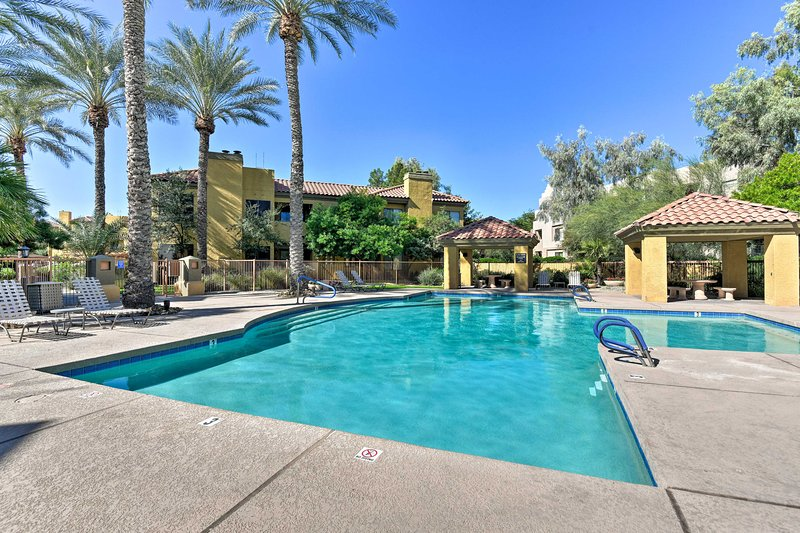 Superb New Cozy Scottsdale Condo W Pool Access Near Golf Updated Interior Design Ideas Clesiryabchikinfo
