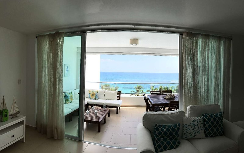 Beach front apartment in Marbella Juan Dolio, holiday rental in Guayacanes