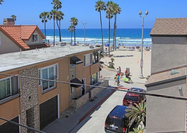 Vue sur la plage depuis le toit-terrasse
