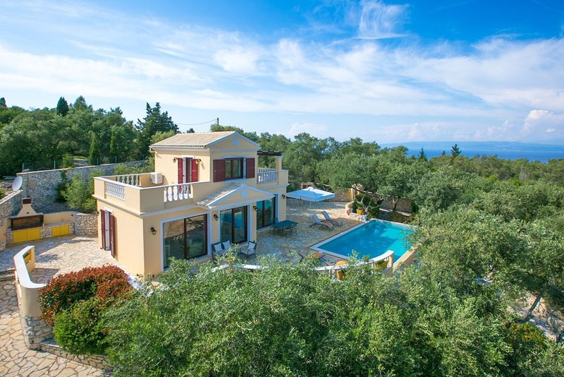Kalliope Villa - Classic, modern with a splash of glam, holiday rental in Platanos
