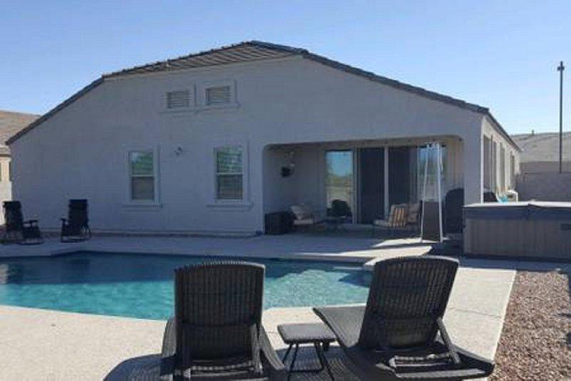 Tartesso New home with Heated Pool, aluguéis de temporada em Tonopah