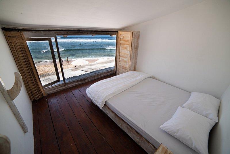 Absolute Beachfront Balangan Apartments 4, casa vacanza a Cengiling
