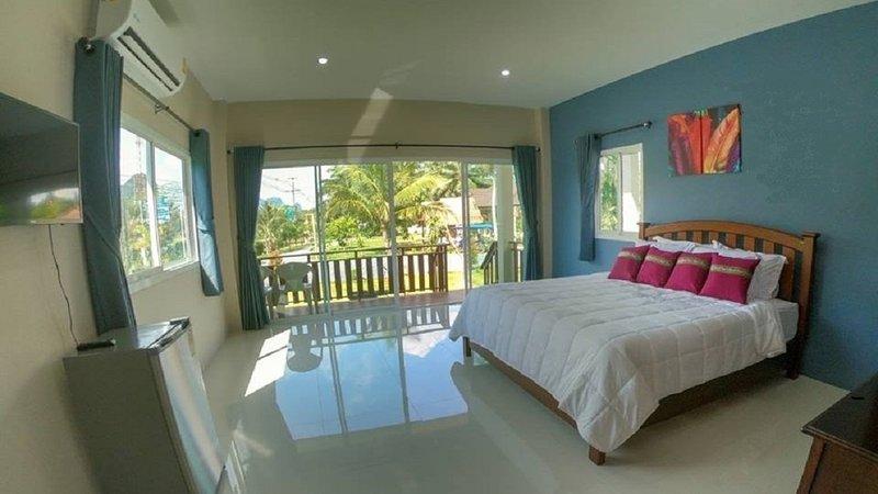 Lay Back Villa 'Lemon Villa', holiday rental in Nong Thale