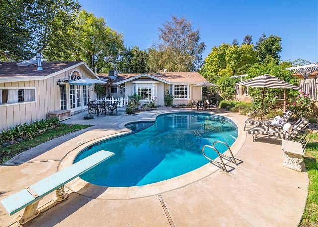 Luxe European Cottage w/ Private Pool & Lush Gardens - 1 Mile to Wineries, vacation rental in Los Olivos