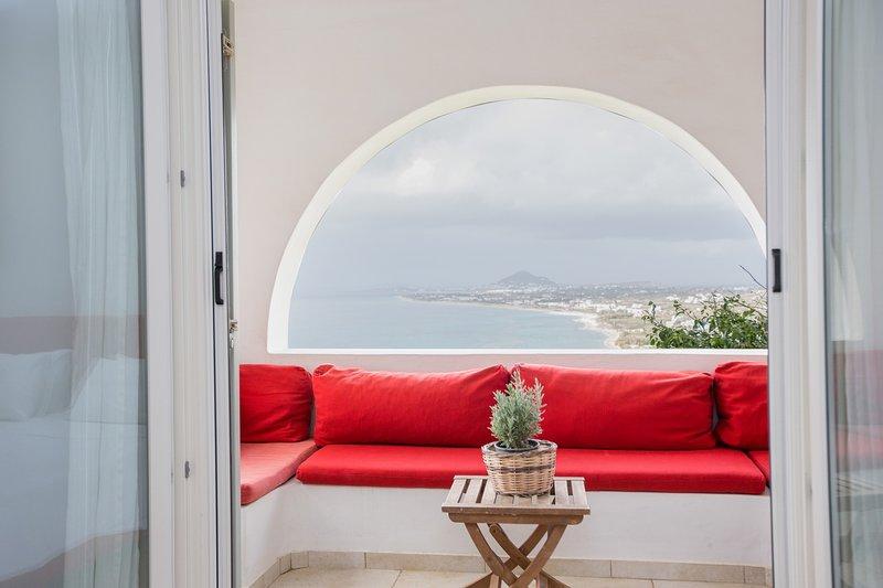 Villa Aggeliki has amazing view, holiday rental in Mikri Vigla