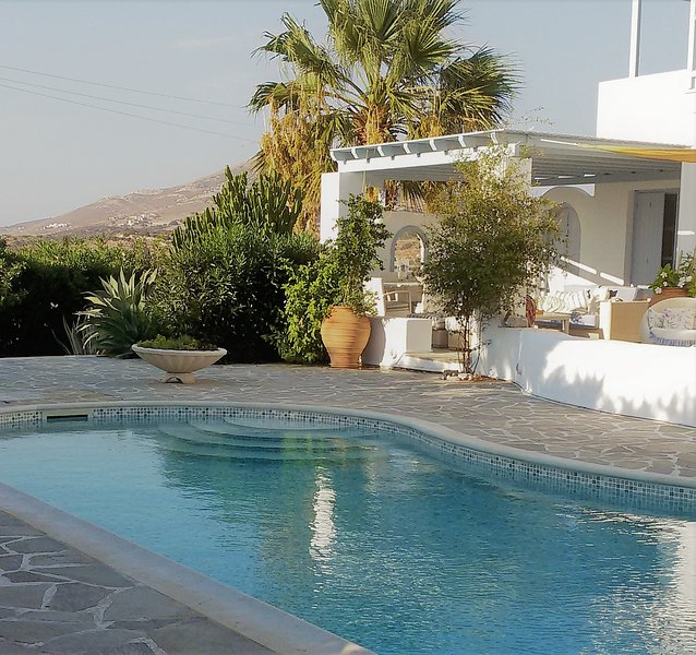Unique Vacations Experience, holiday rental in Pyrgaki