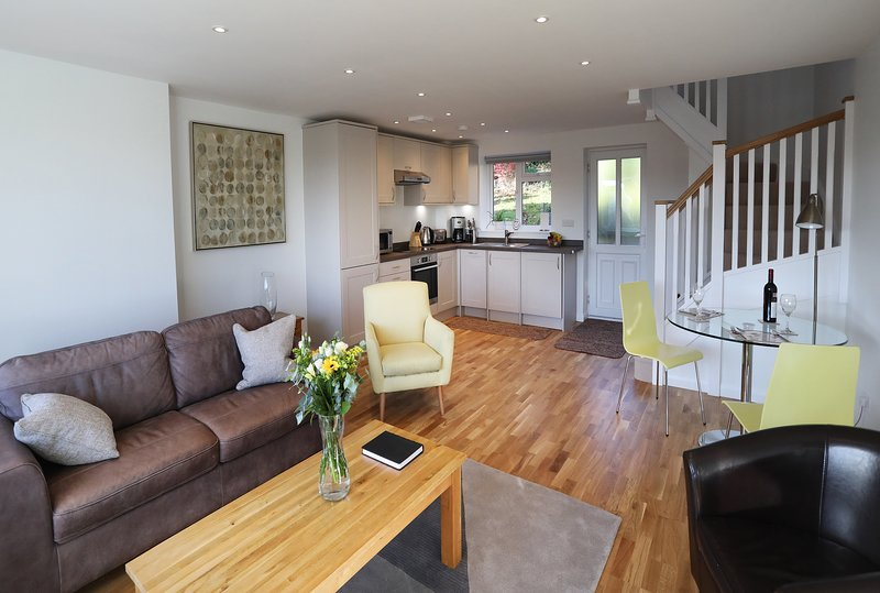 Marlow Apartments - 1 Bed Apartment, holiday rental in Knowl Hill