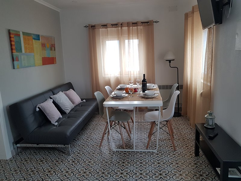Brand New Beach Apartment 2, holiday rental in Serra del Rei