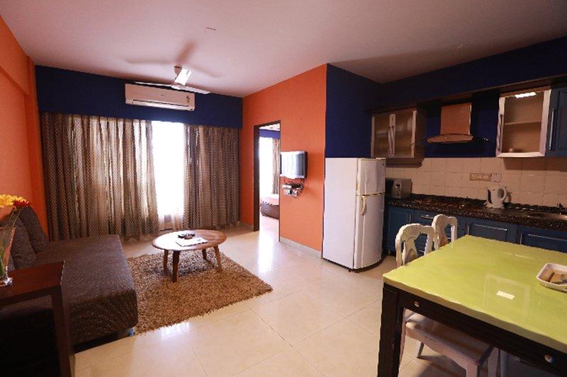 Landmark Suites -1 bedroom apartment, vacation rental in Ghātkopar