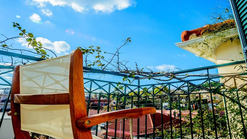Casa Bougainvillea, 3 Bedrooms ,Top floor, holiday rental in Argostolion