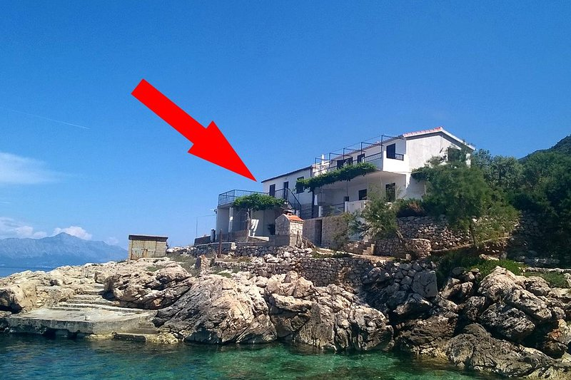 Four bedroom apartment Cove Virak, Hvar (A-4035-a), holiday rental in Gdinj