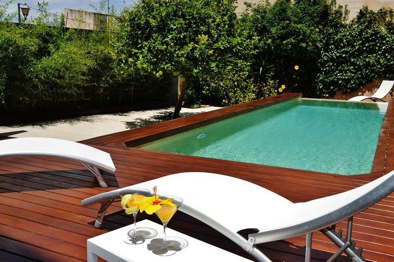 Amplia casa de lujo con piscina cerca de la playa, location de vacances à Son Servera