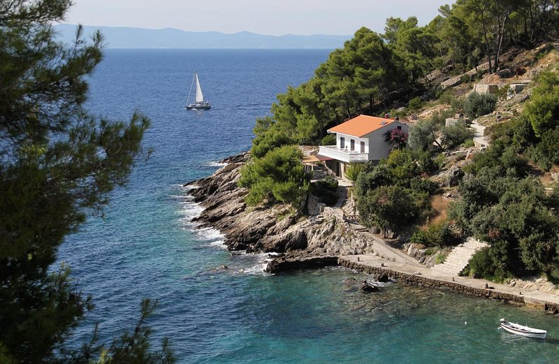 Four bedroom apartment Cove Torac, Hvar (A-581-a), holiday rental in Gdinj