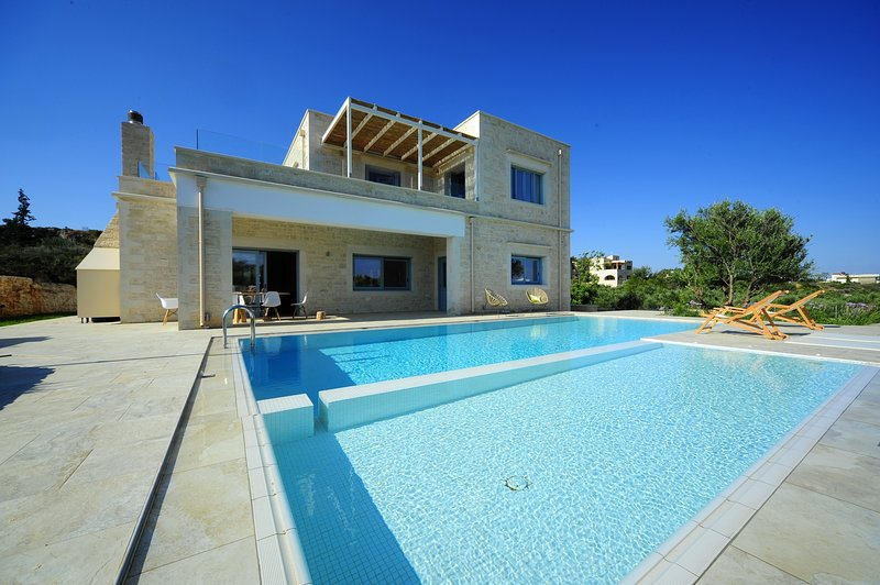 Luxury,relax,secluded,ideal for family, Ferienwohnung in Souda