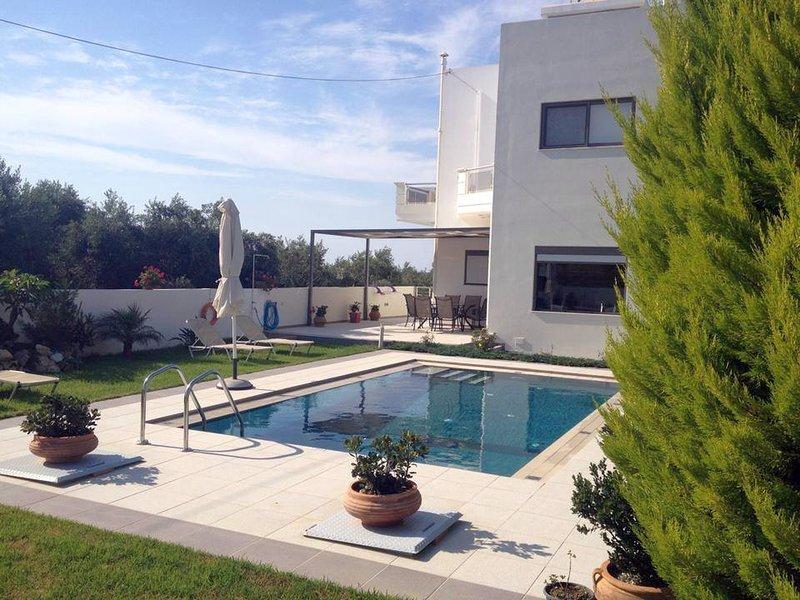 Sea View 3 Bedroom Villa, vacation rental in Gerani
