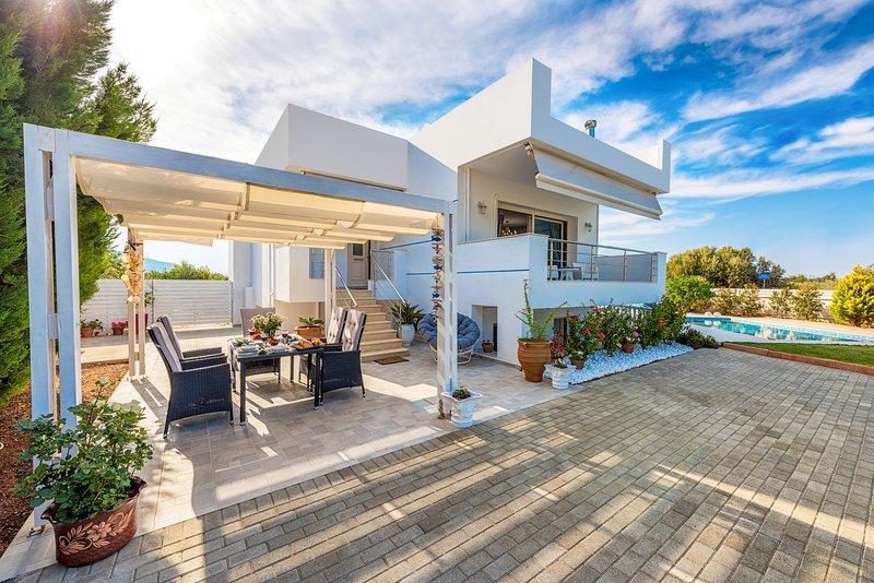 Luxury 3 Bedroom Villa, holiday rental in Agriana