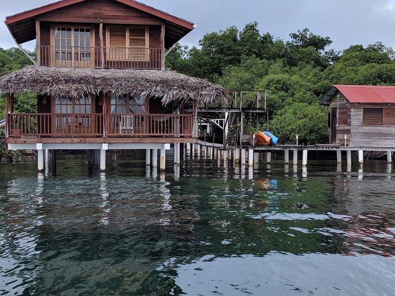 Caribbean Blue over water casita, vacation rental in Bocas del Toro Province