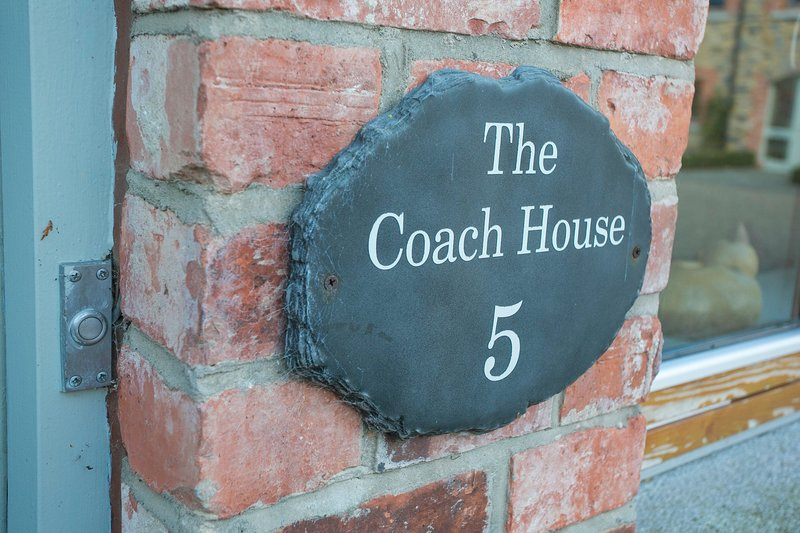 The Coach House 14837, vacation rental in Trim
