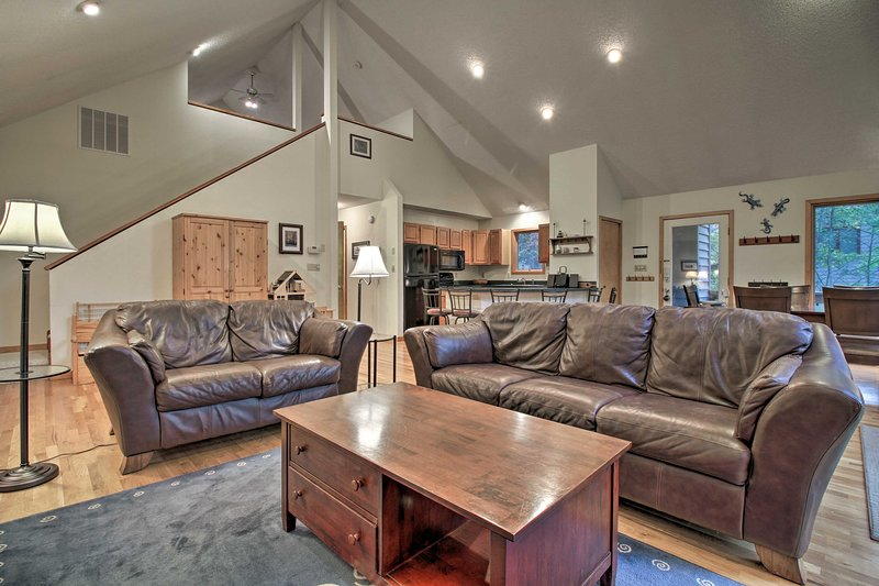 Unwind in this lavish 3-bedroom, 2-bathroom vacation rental home in Wintergreen.