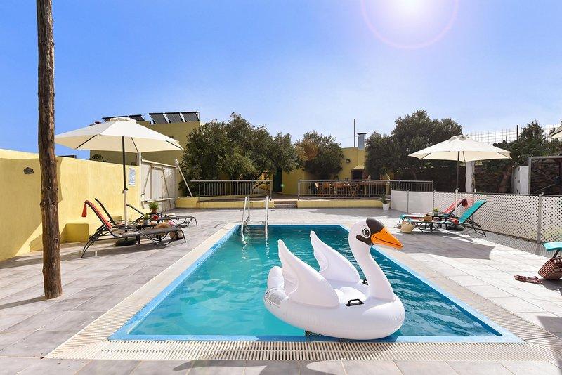 Los Algodones Cottage with Pool, holiday rental in El Burrero