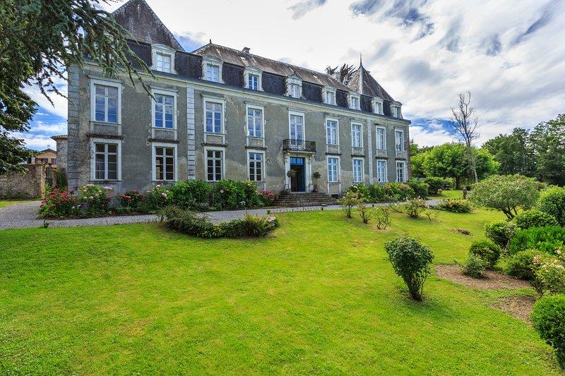 Vacances de rêves dans un Château XVIIIème, vacation rental in Port-de-Lanne