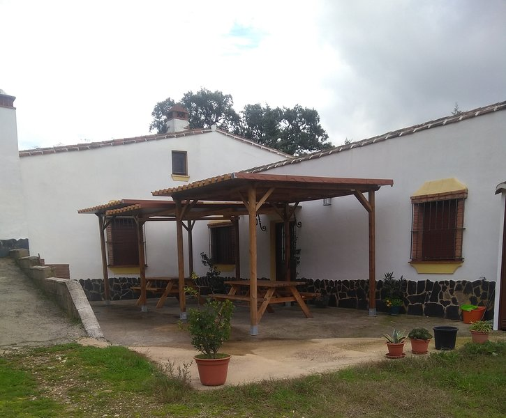 Alojamiento Rural Sierra, holiday rental in Galaroza