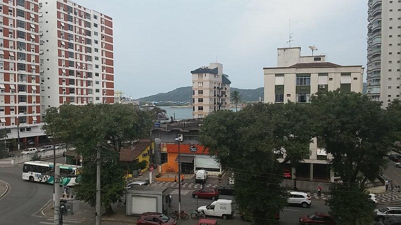 Amplo apartamento de 3 dts na Ponta da Praia com vista para o mar!, aluguéis de temporada em Santos