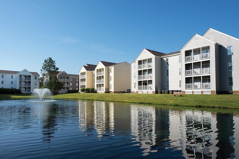 Williamsburg, VA: 1 BR Condo w/Pool, Near Historic Williamsburg & Busch Gardens, alquiler de vacaciones en Williamsburg