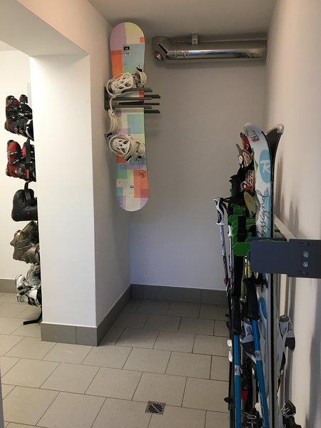 Skiroom con asciugascarponi nella nostra struttura