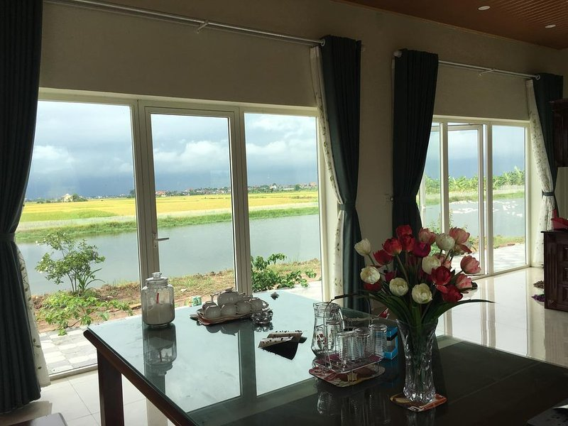 Lotus House with an amazing view to the rice field, holiday rental in Hai Phong