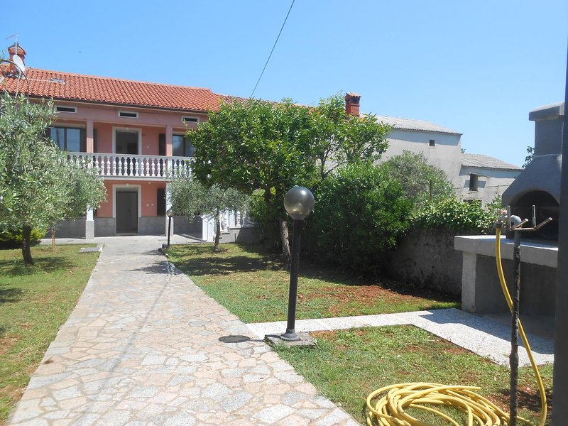 Holiday home Giovanni, vacation rental in Rakalj