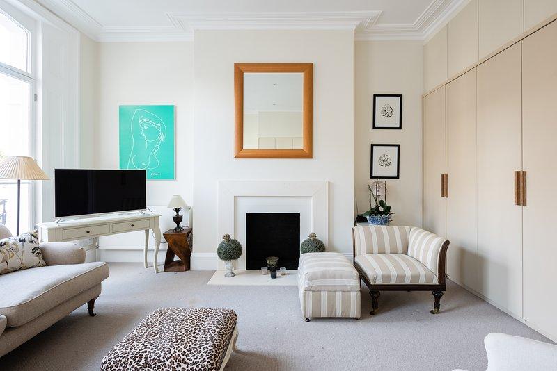 Luxury | Bright & Quiet Flat | Chelsea | Earls Court | Fulham Road, alquiler de vacaciones en Londres