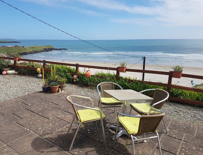 Idyllic Inchydoney Island Beach Cottage - wonderful views, self-catering, cozy, casa vacanza a Clonakilty