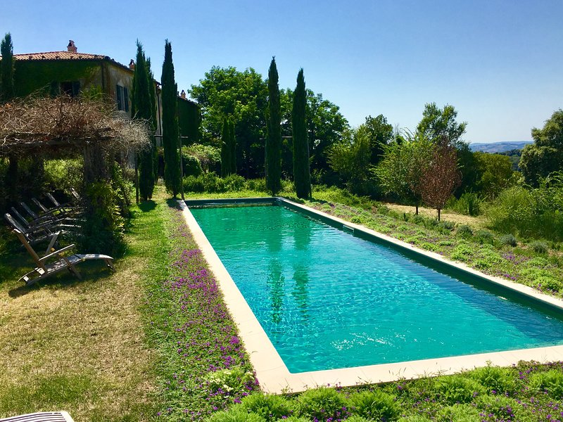 An Ancient 'Convento' in Tuscany now with Pool for a Great Holiday, casa vacanza a Pitigliano