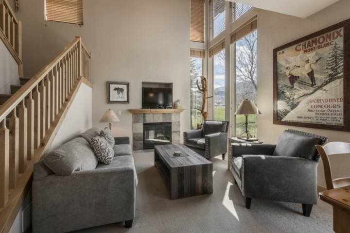 Updated 3 Bedroom Redstone * Kimball Junction, On Bus Route, Gas Fireplace, Roku Chalet in Park City
