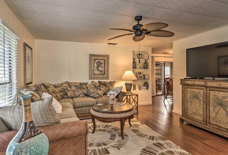 Escape to this charming 2-bedroom, 2-bathroom Vero Beach vacation rental home!