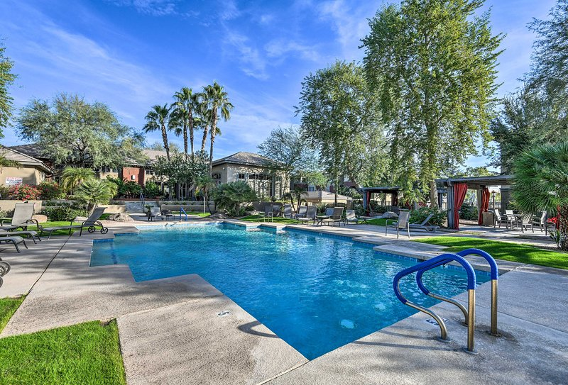 Don't hesitate to book this vacation rental condo in central Phoenix.