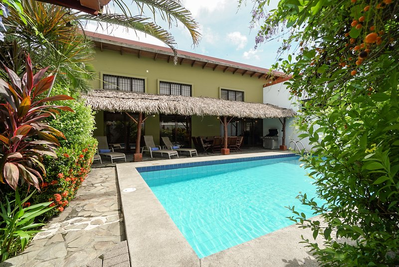 Casa Gris near the beach in Jaco, vacation rental in Jaco