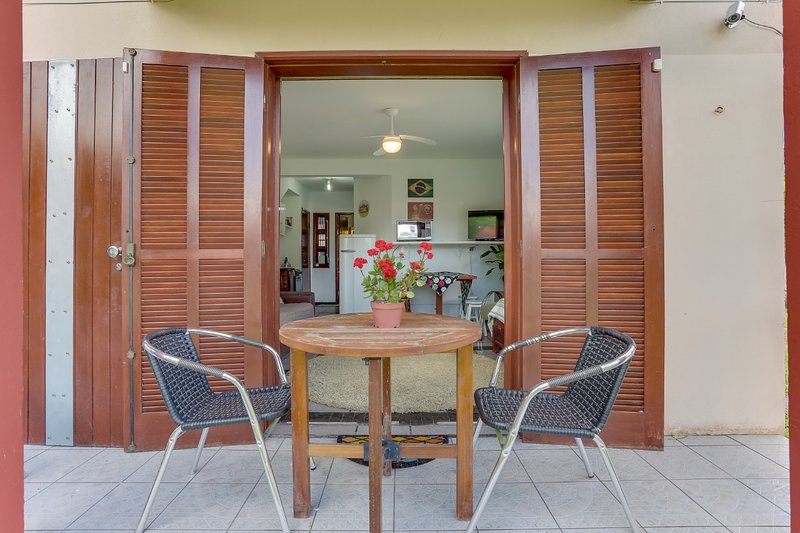 Jurerê Spécial House, location de vacances à Sambaqui