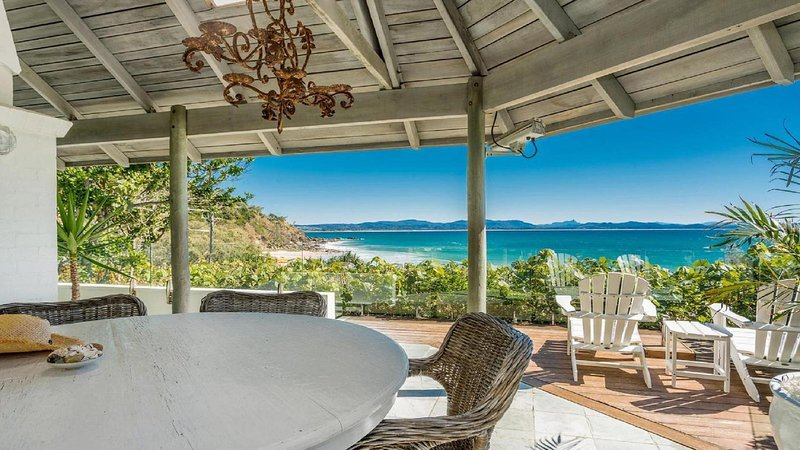 The White House - Island Style Getaway, holiday rental in Byron Bay