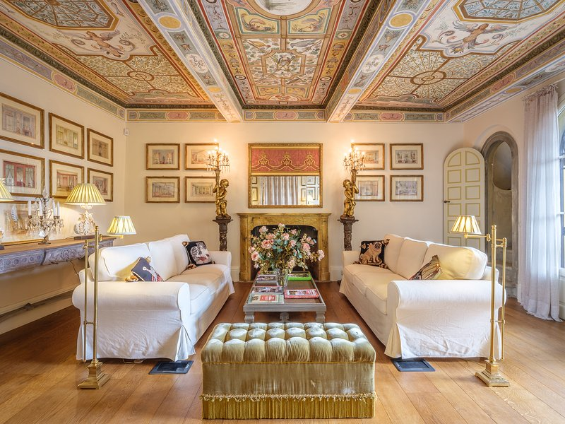 THE MASTER SUITE WITH FLORENCE VIEW, holiday rental in Trespiano