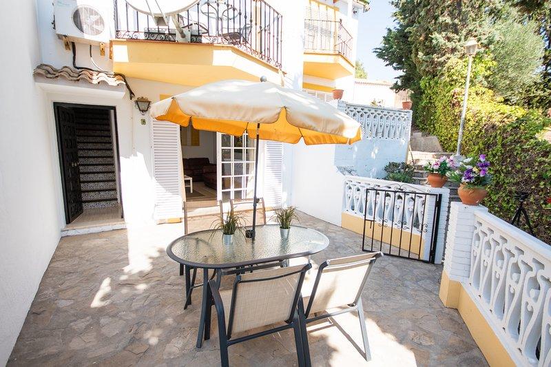A charming 3 bedrooms townhouse in Urb El Coto - Mijas Costa, vacation rental in Las Lagunas de Mijas