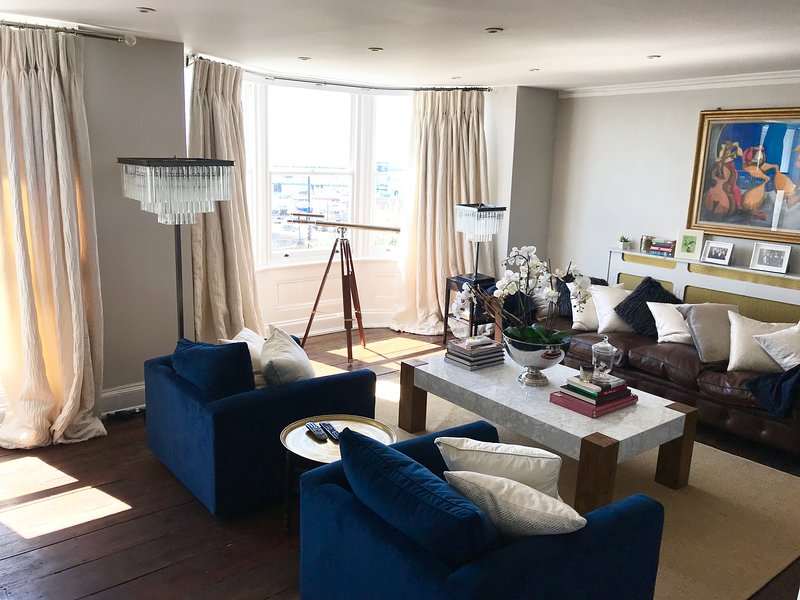 Marina Retreat: Stunning 4 bedroom house with harbour views and outside space., location de vacances à Ramsgate