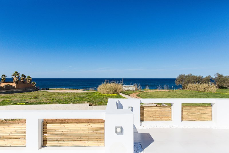 The villa is designed to offer clear view to the sea