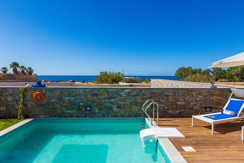 Thalasses Villas - Villa Persi, Private Beach Facilities & First Class Services, holiday rental in Rethymnon