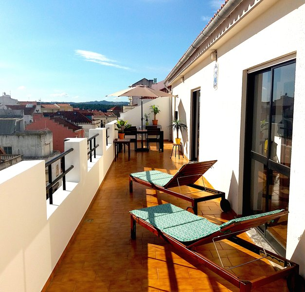Beautiful Penthouse Apartment City Center, alquiler de vacaciones en Caldas da Rainha