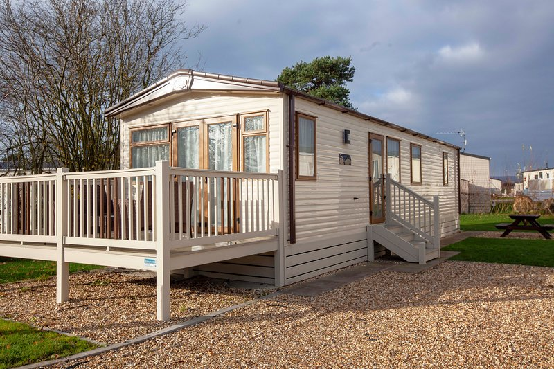 New! Premier Elan Standard Caravan, holiday rental in Clayton-le-Dale